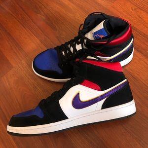 Nike Air Jordan 1 MID SE Midtop Rivals SIZE 12